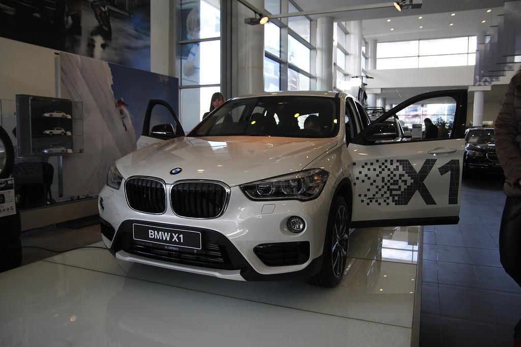презентация BMW Х1 в Челябинске, X1 спереди