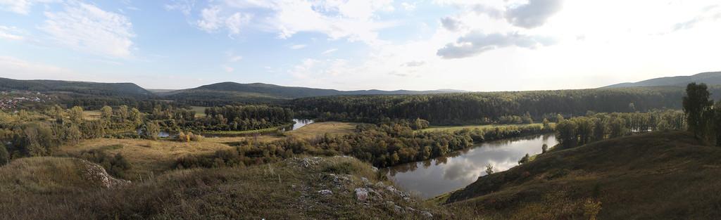 Панорама со скалы Чёртов палец в Петропавловке