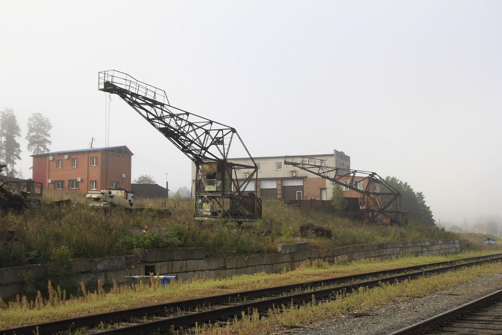фото города Куса, ВторЧерМет, кран, железная дорога