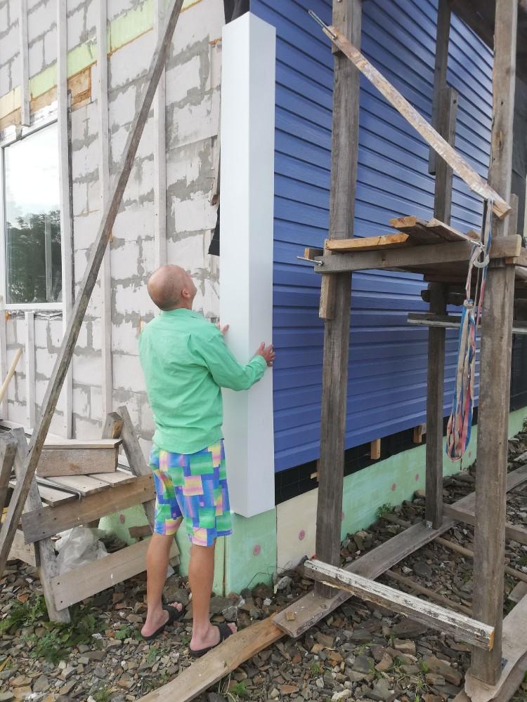 Родители привезли железо на углы дома. Вроде норм ширина, самое то!