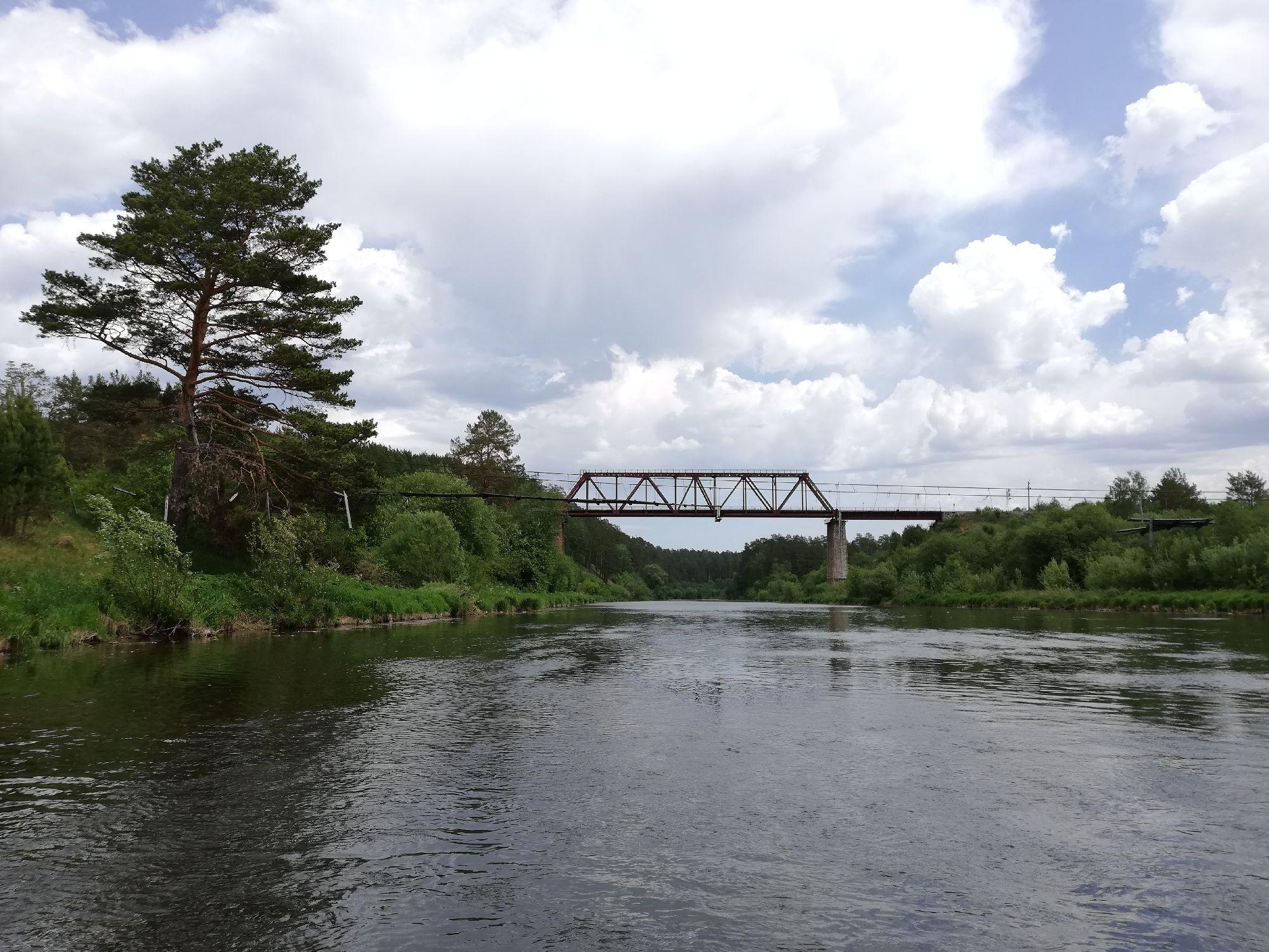 Вид на ЖД мост