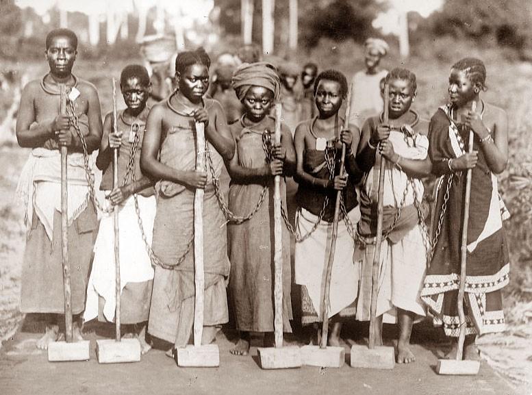 women-work-crew