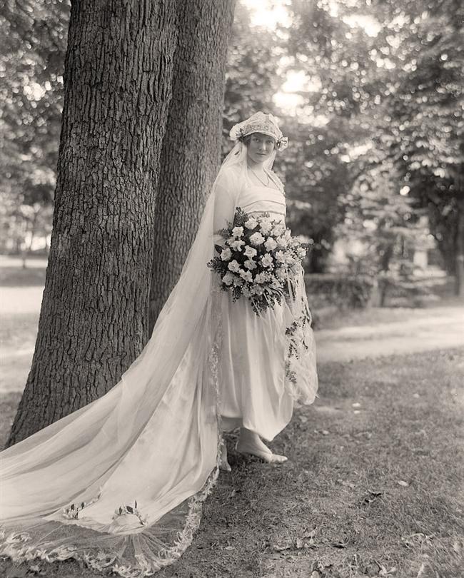 Wedding-Dress-1910s