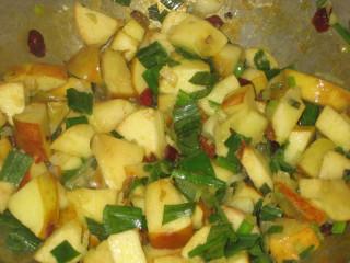 apple chutney, mid-cook