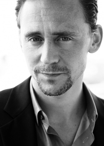 kinopoisk.ru-Tom-Hiddleston-2068262a