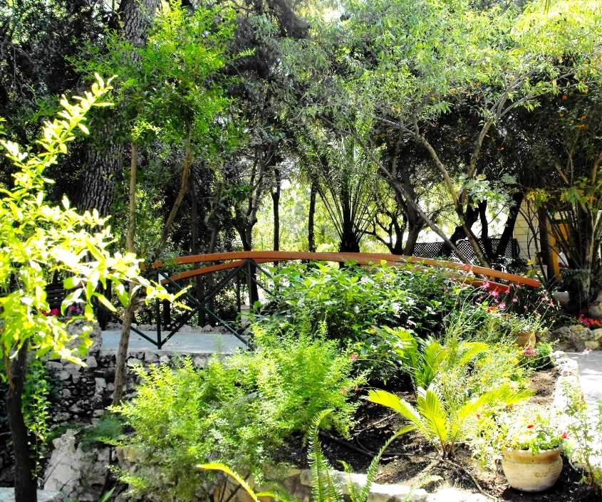 PikiWiki_Israel_22083_The_Garden_Tomb_-_East_Jerusalem[1]