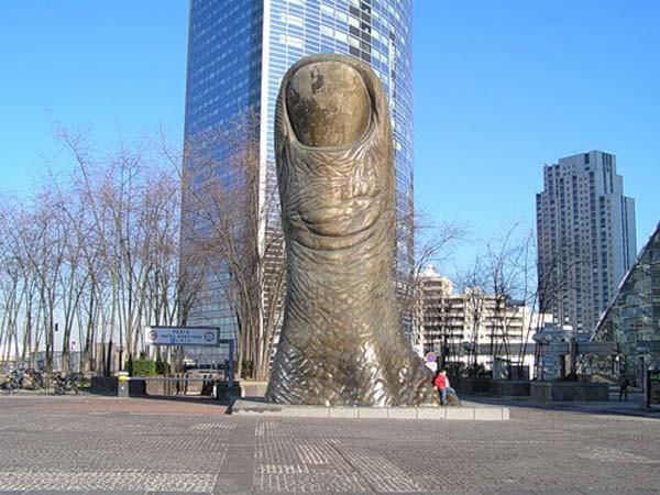 Б.палец Париж