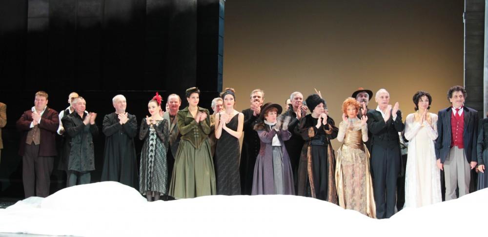 Справа налево: Евгений Князев, Ирина КУпченко, Василий Ливанов, Юлия Борисова, Людмила Максакова и др.