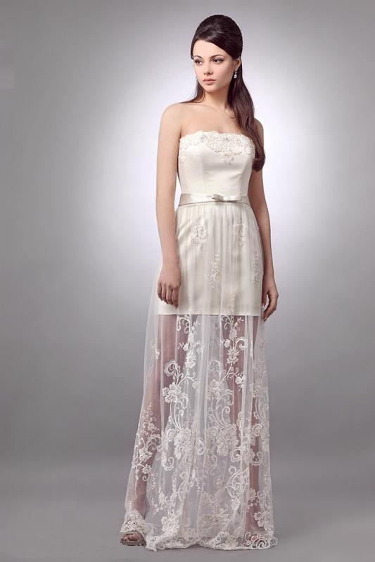 Платье короткое со шлейфом