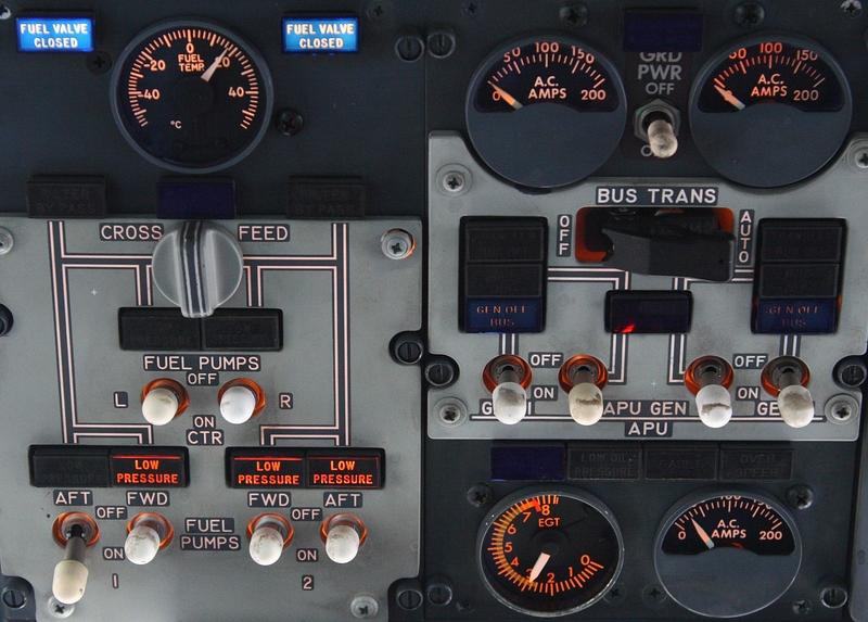 Как устроена кабина Boeing-737