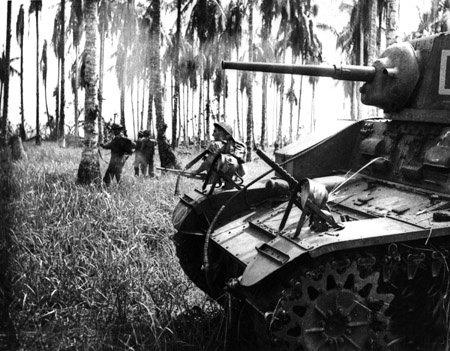 Australian_infantry_and_armour_at_Buna_(AWM_014008).jpg