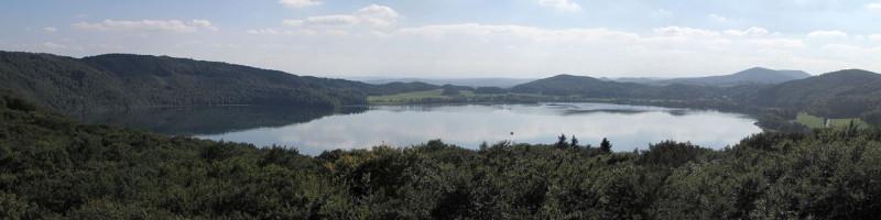Озеро Лаахер-Зе. Этот мирный пейзаж таит смертельную опасность!