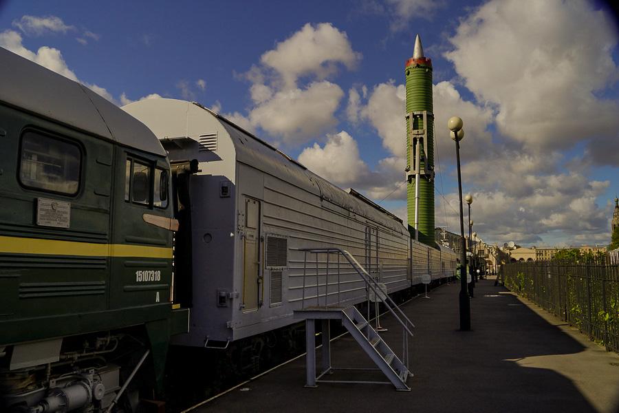 """Vídeo: """"Trem nuclear"""" deve entrar em serviço na Rússia até 2020"""
