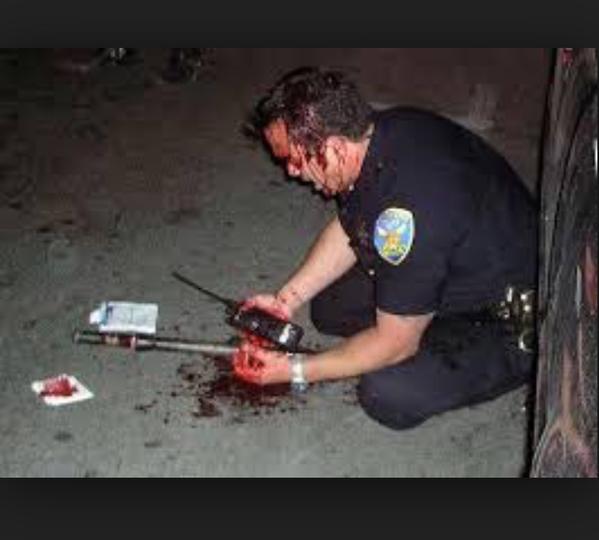4 ranenyi policesmen