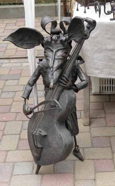 Кулдига скульптура
