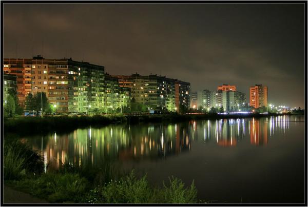 Бульвар Гайдара ночью