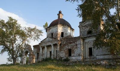 Храм в Куяше до реставрации