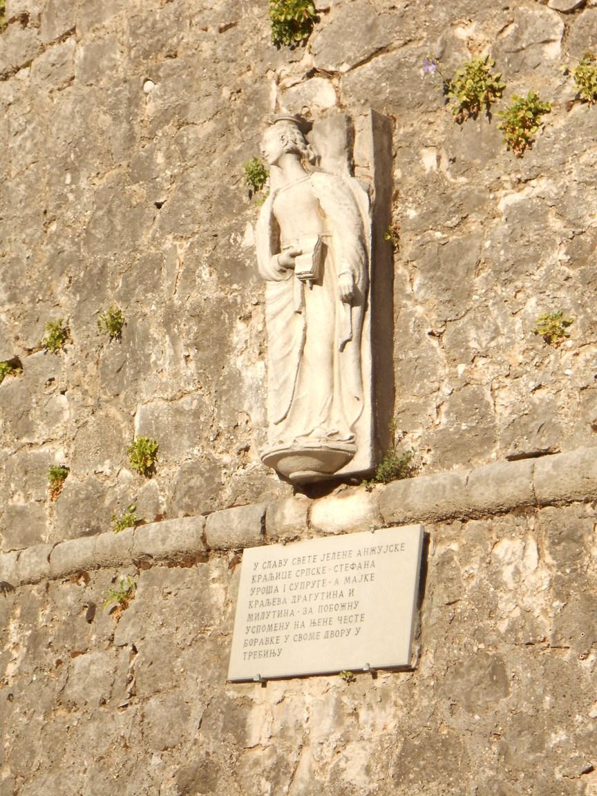 Статуя Св.Елены Анжуйской