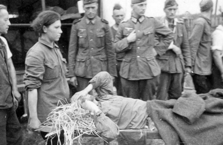 Смотреть секс издевательства в немецких конц лагерях