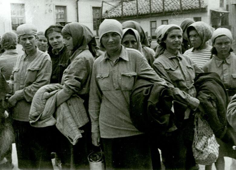порно фото молодых девушек в лагере