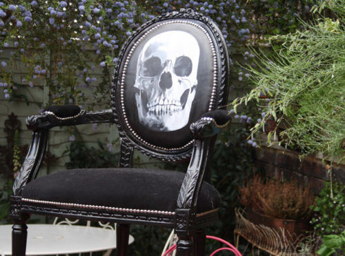 black-skull-chair-1