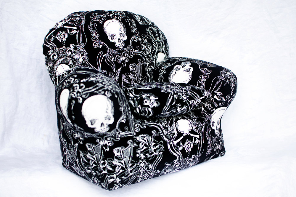 skull-furniture-black