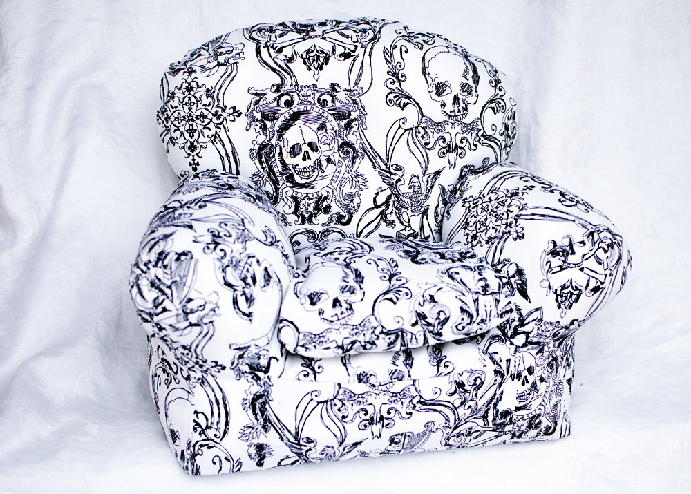 skull-furniture-white