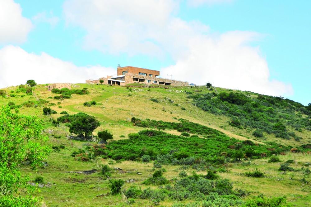 52006dd5e8e44eadea000048_cerro-mistico-fds-arquitectos__ppp3228-1000x664