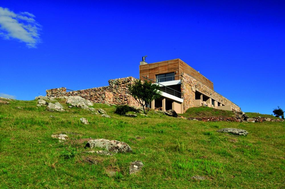 520070bee8e44e831a000040_cerro-mistico-fds-arquitectos__ppp3317-1000x664