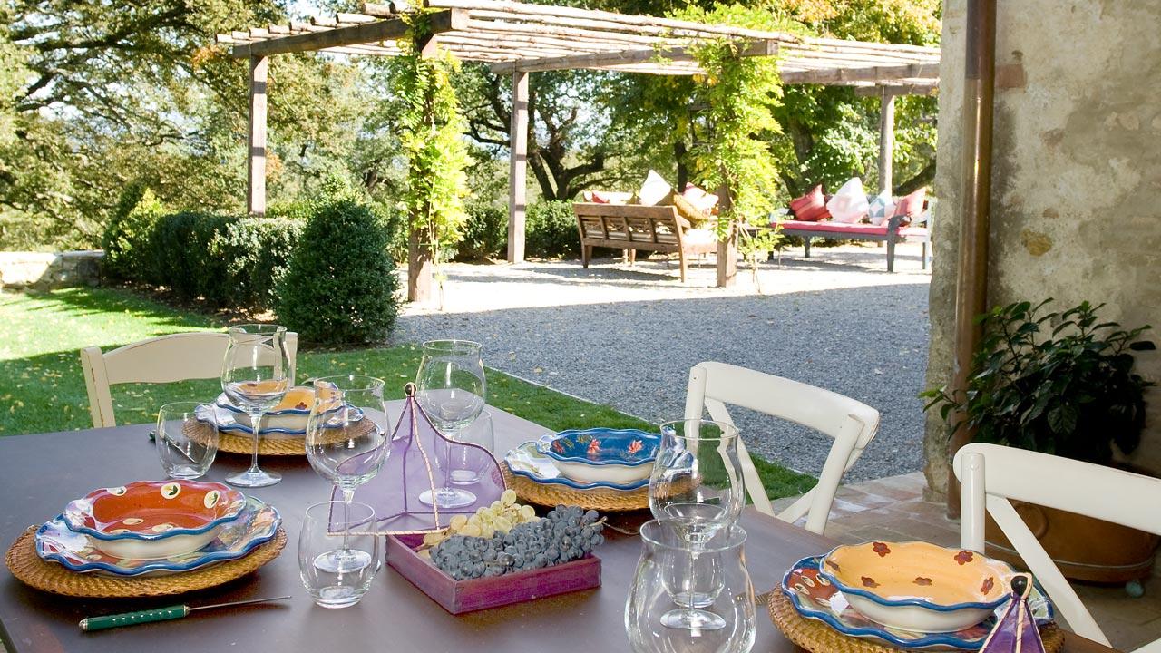 cucina-casa-fabbrini-cena-giardino