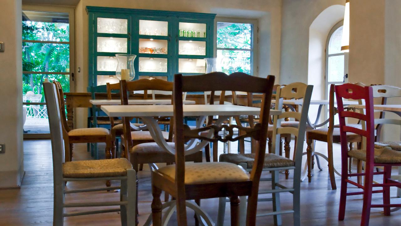 sala-da-pranzo-agriturismo-casa-fabbrini-4