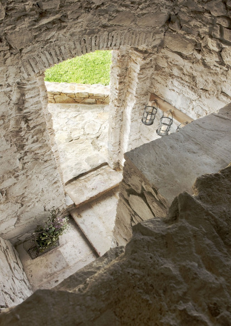 miss-design.com-ilaria-miani-interior-house-stone-italy-Monteverdi-6