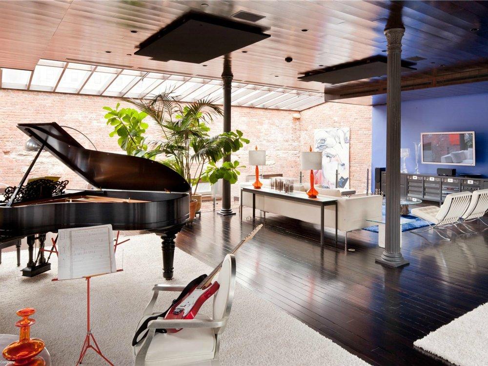 loft-mansion-music-room-living-room-8