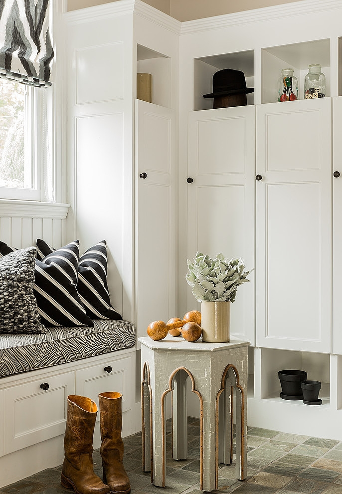 010-eclectic-suburban-home-hudson-interior-design