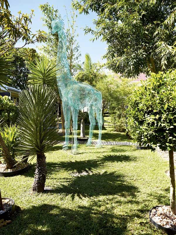 BromleyYugeHouse-Giraffe