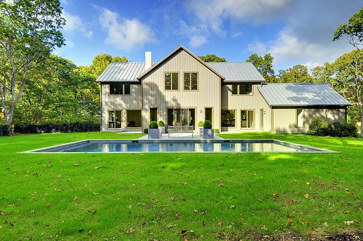 001-contemporary-barn-home-yankee-barn-homes