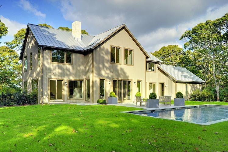 002-contemporary-barn-home-yankee-barn-homes
