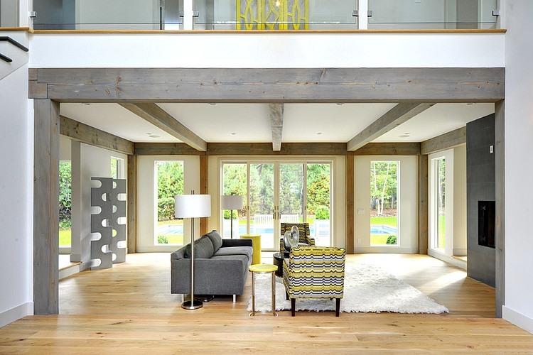 004-contemporary-barn-home-yankee-barn-homes