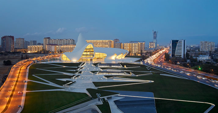 la-Heydar-Aliyev-Center-Baku-Azerbaijan-Zaha-Hadid-photo-by-Hufton-Crow-yatzer