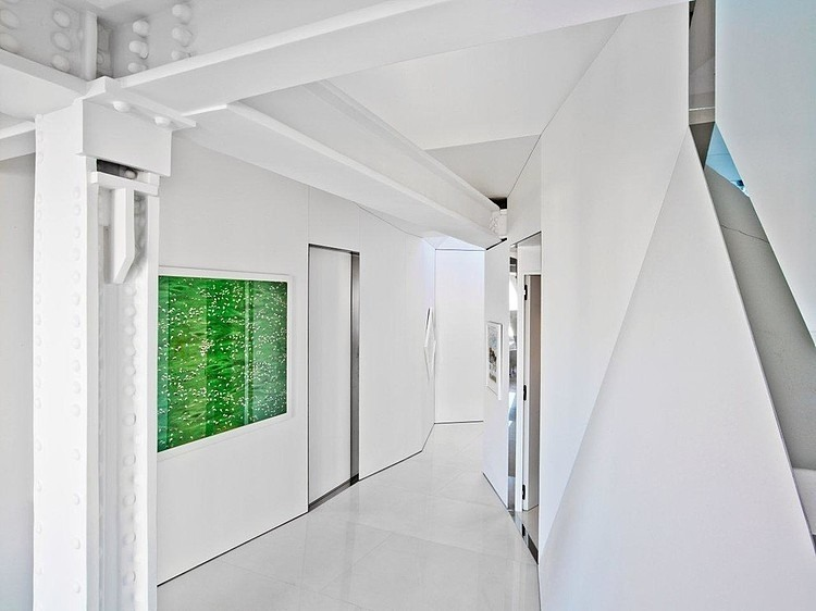 002-skyhouse-ghislaine-vias-interior-design