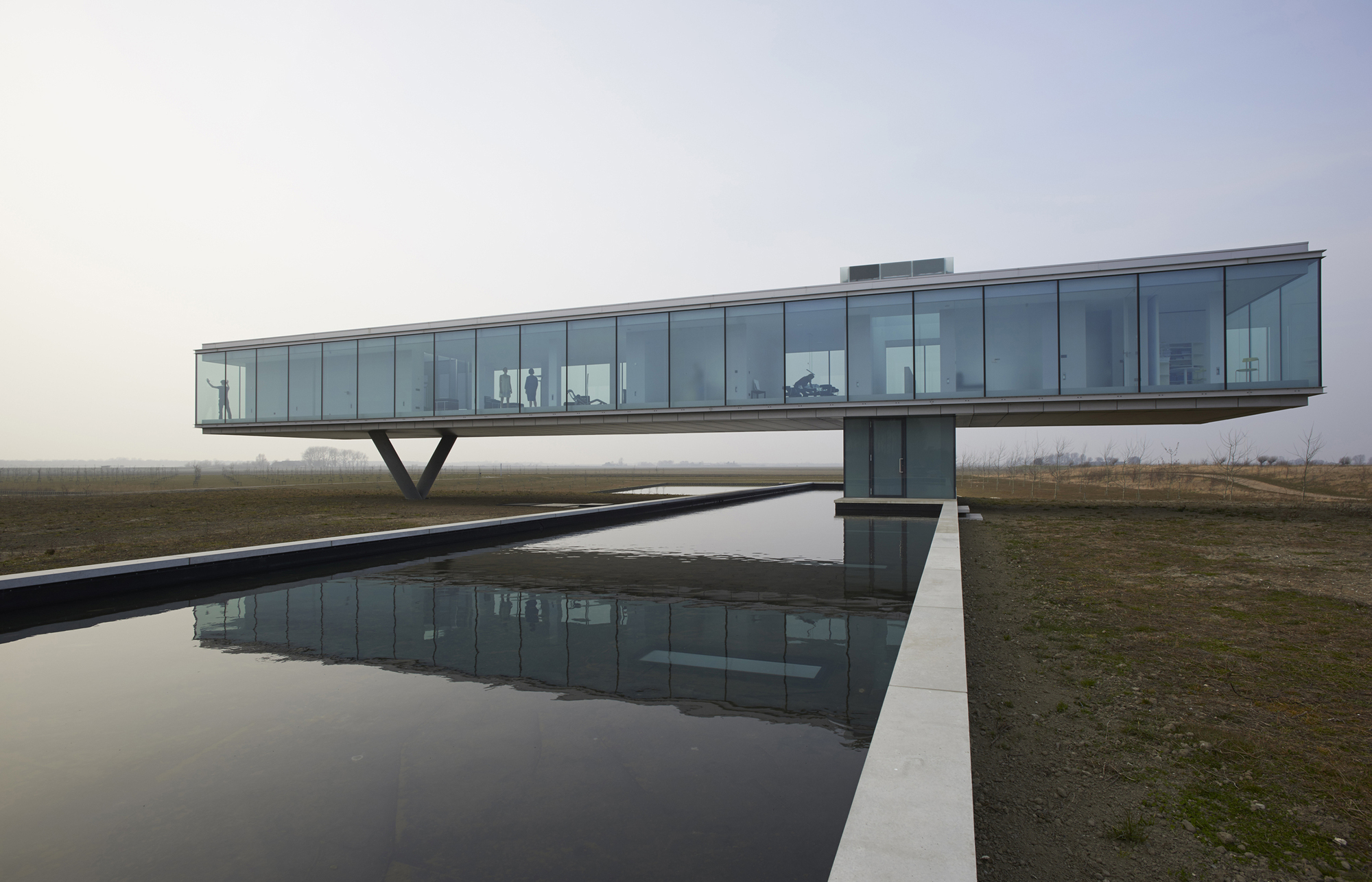 52a114bde8e44e00d8000034_villa-kogelhof-paul-de-ruiter-architects_portada