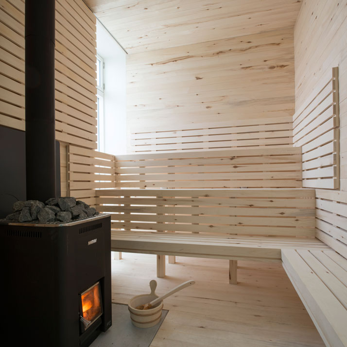 1-Fogo-Island-Inn-Saunders-Architects-photo-Alex-Fradkin-yatzer