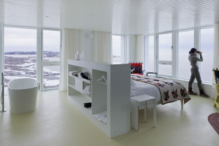 1-Fogo-Island-Inn-Saunders-Architects-photo-Iwan-Baan-yatzer