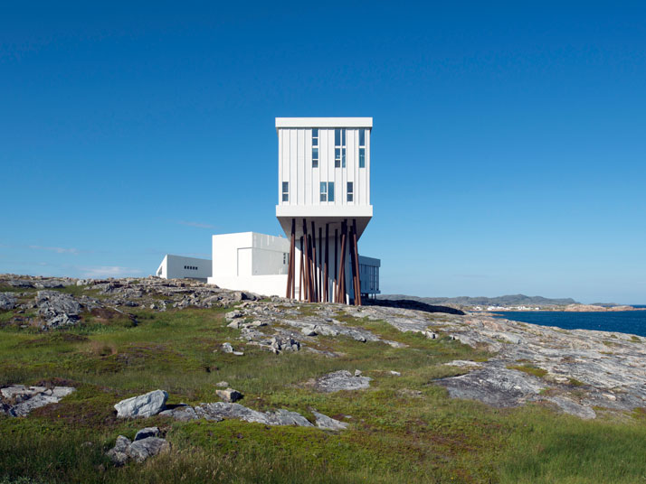 4-Fogo-Island-Inn-Saunders-Architects-photo-Alex-Fradkin-yatzer