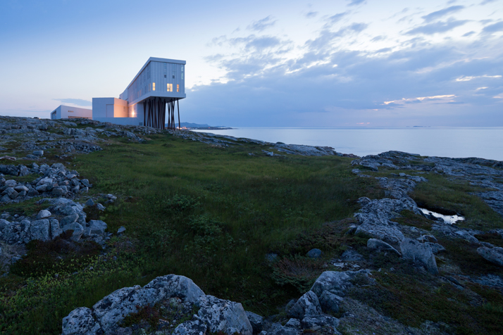 6-Fogo-Island-Inn-Saunders-Architects-photo-Iwan-Baan-yatzer