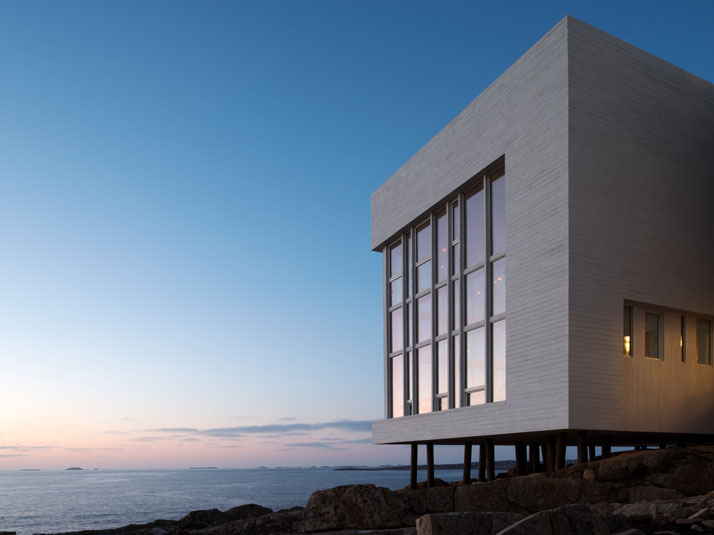 8-Fogo-Island-Inn-Saunders-Architects-photo-Alex-Fradkin-yatzer