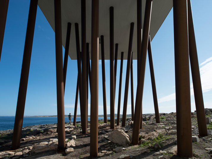 10-Fogo-Island-Inn-Saunders-Architects-photo-Alex-Fradkin-yatzer