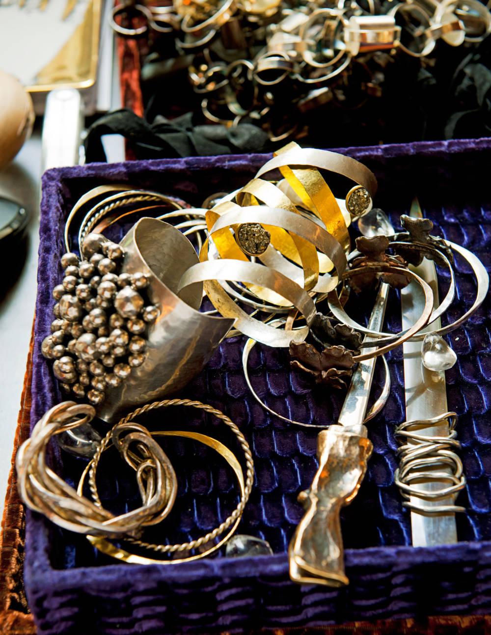 TCX-04-osanna-visconti-jewelry-line-1111-xl-mv
