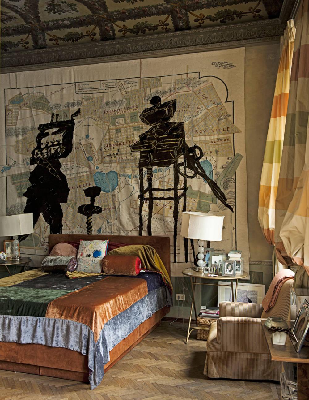 TCX-05-bedroom-tapestry-william-kentridge-1111-xl-mv