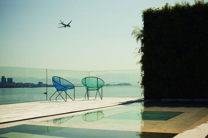house-Urca-Rio-de-Janeiro-Brazil-by-arthur-casas-photo-by-matthieu-salvaing-yatzer-2